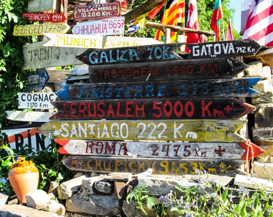 Camino signs