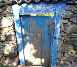 Blue Camino door